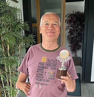 Master Wheelwrights Award 2020 - WA 2020 - Andrew Paddisson with award